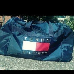 Vintage Tommy Hilfiger duffelbag big flag
